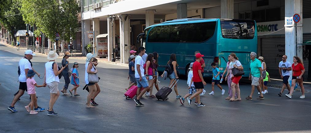 Κορονοϊός: Προτιμούν τις διακοπές οδικώς οι Έλληνες τουρίστες (βίντεο)