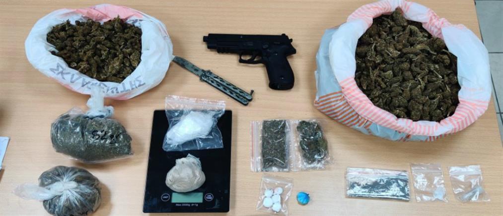 Εξαρθρώθηκαν δύο σπείρες που διακινούσαν ναρκωτικά (εικόνες)