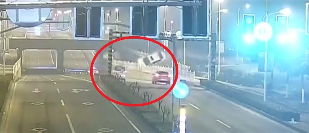 Τρομακτικό τροχαίο σε αυτοκινητόδρομο της Κίνας (βίντεο)