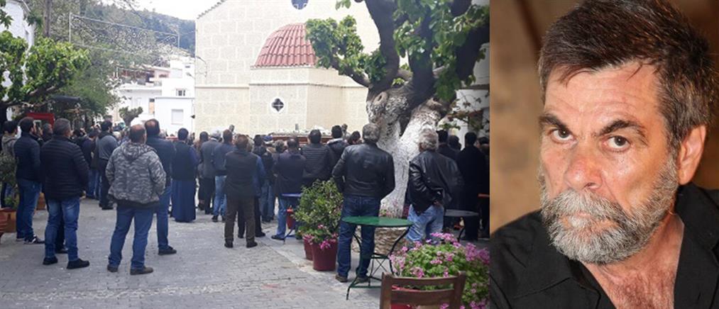 Λευτέρης Καλομοίρης: Συγκλόνισε η κόρη του στην κηδεία (βίντεο)