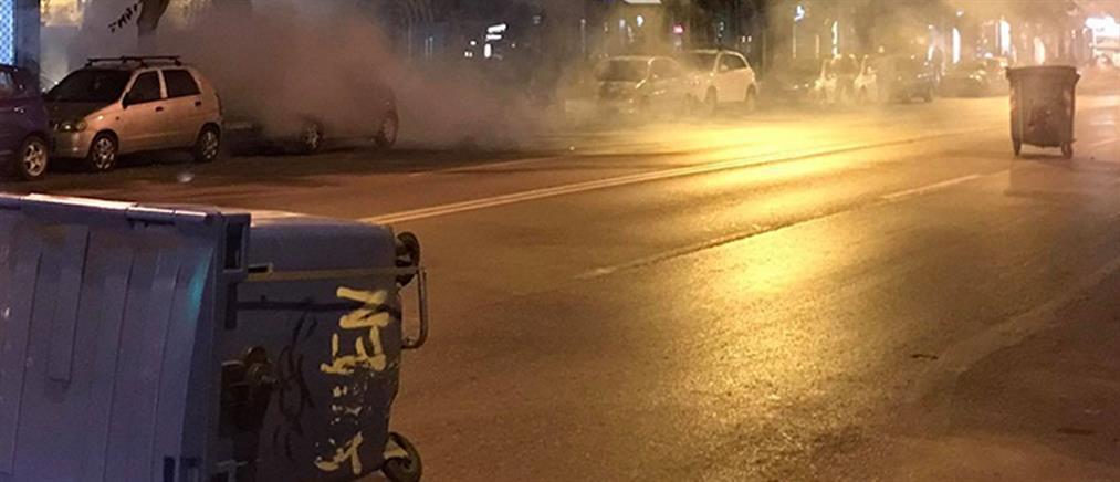 Θεσσαλονίκη: Επεισόδια με μολότοφ και επιθέσεις σε μαγαζιά (εικόνες)