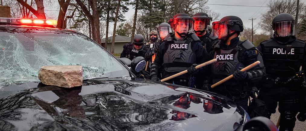 ΗΠΑ: Επεισόδια και τραυματισμοί μετά τον θάνατο 20χρονου από αστυνομικά πυρά (εικόνες)