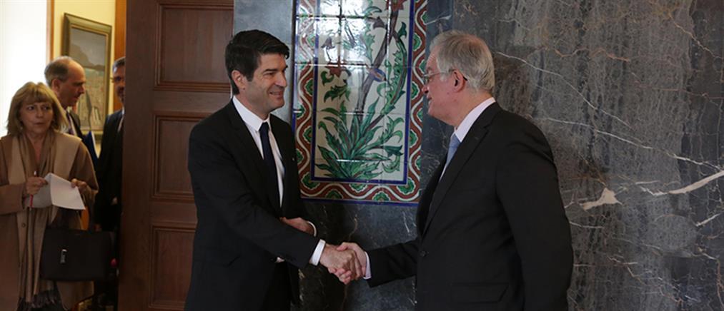 Γάλλος πρέσβης: θα σταθούμε στο πλευρό της Ελλάδας