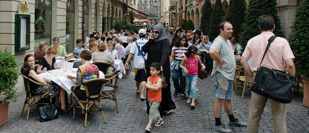 Ελβετία: κατώτατος μισθός 3800 ευρώ το μήνα, αλλά τα συνδικάτα διαμαρτύρονται