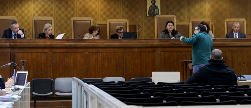 """Δίκη Χρυσής Αυγής: «καταδρομική ενέργεια» η επίθεση στο """"Συνεργείο"""""""