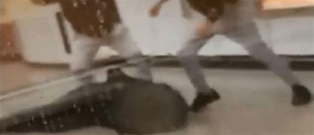Δύο συλλήψεις για τον ξυλοδαρμό του σταθμάρχη