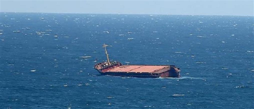 Ναυάγιο φορτηγού πλοίου στην Αδριατική (εικόνες)