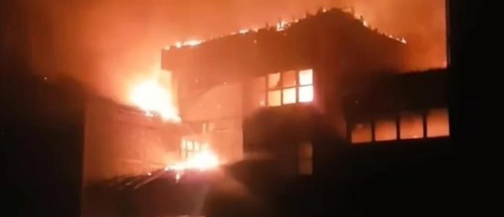Φωτιά σε ξενοδοχείο στην Έδεσσα (εικόνες)