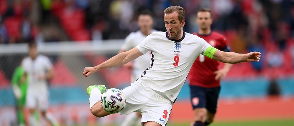 Euro 2020 - Αγγλία: ο Κέιν με περιβραχιόνιο στα χρώματα του ουράνιου τόξου