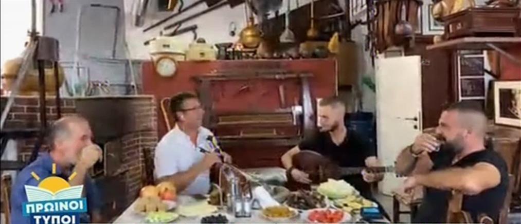 """Οι Καζανάρηδες της Κρήτης και η μαντινάδα - αφιέρωση στους """"Πρωινούς Τύπους"""" (βίντεο)"""