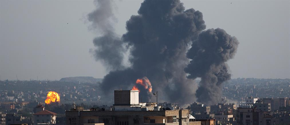 Ισραηλινά αεροσκάφη βομβάρδισαν βάση της Χαμάς στην Γάζα