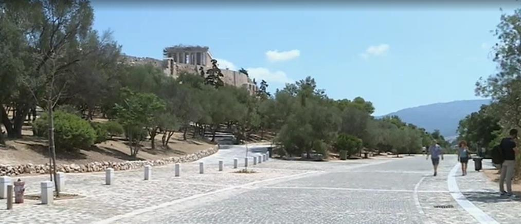 """Κορονοϊός: """"Στεγνή"""" από τουρίστες η Αθήνα (βίντεο)"""