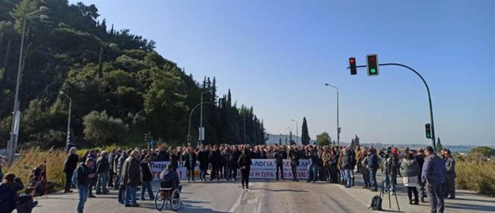 Διαμαρτυρία στην εθνική οδό Πατρών-Πύργου (εικόνες)
