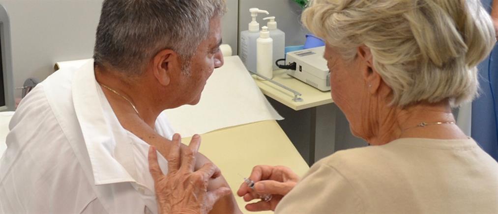Το μήνυμα του εμβολιασμού έστειλε ο Γιώργος Πατούλης κάνοντας και ο ίδιος το αντιγριπικό