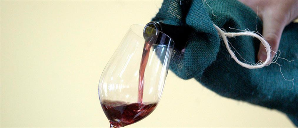 """ΝΔ: """"κωλοτούμπα"""" του Αλέξη Τσίπρα και για τον φόρο στο κρασί"""