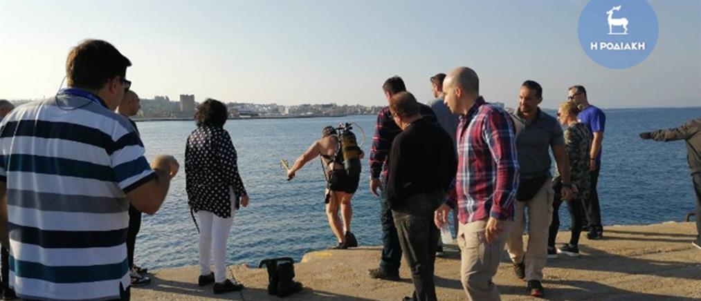 Τραγωδία: αυτοκίνητο με δυο επιβάτες έπεσε στη θάλασσα