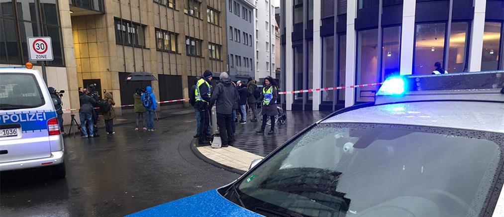 """""""Συναγερμός"""" μετά από πυροβολισμούς στο κέντρο της Κολωνίας"""