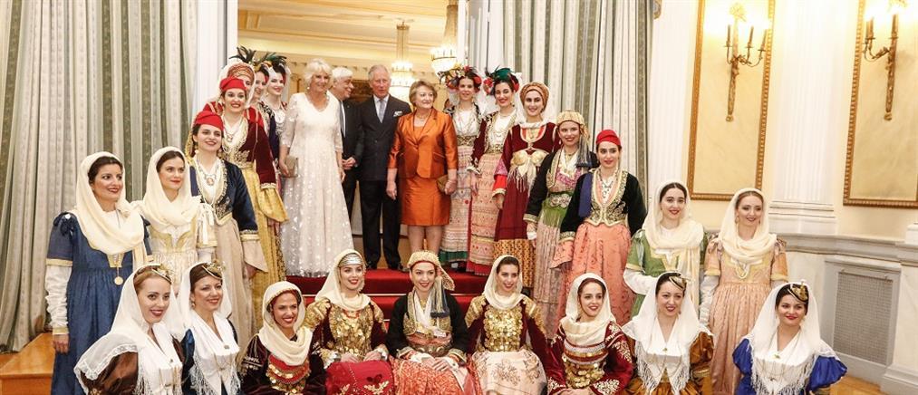 Προεδρικό Μέγαρο: οι καλεσμένοι, οι ενδυματολογικές επιλογές και το ελληνικό μενού