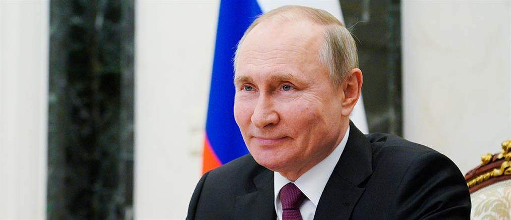 Ο Πούτιν υπέγραψε νόμο για… ισόβια παράταση της θητείας