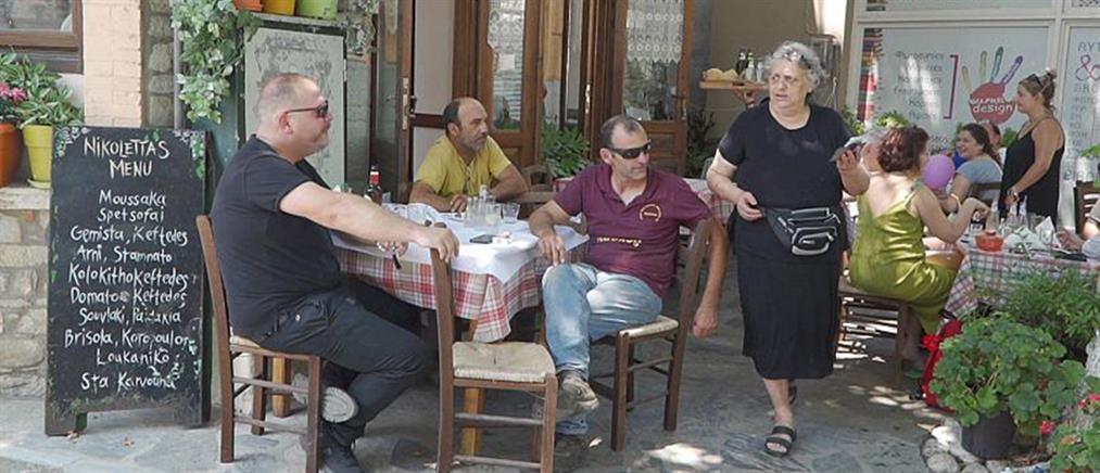 Ελληνίδα ταβερνιάρισσα στον Μπόρις Τζόνσον: Αν ήσουν γυναίκα, θα ήσουν σαν Μπάρμπι (βίντεο)