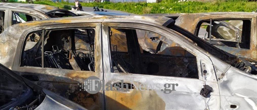 """Φωτιά σε μάντρα ενοικιαζόμενων αυτοκίνητων τα έκανε """"στάχτη"""" (εικόνες)"""