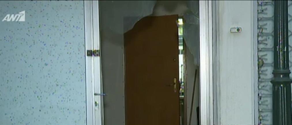 Επίθεση με μολότοφ σε ραφείο (βίντεο)