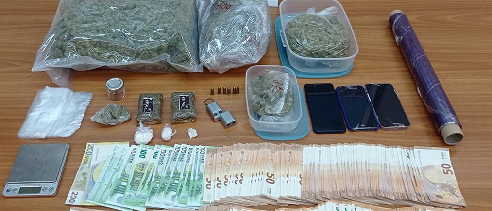 Συλλήψεις για ναρκωτικά και όπλα (εικόνες)
