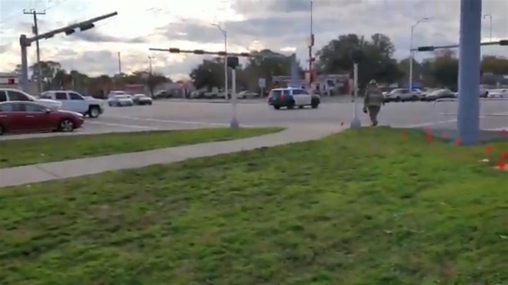 Πυροβολισμοί στη ναυτική βάση στη Φλόριντα
