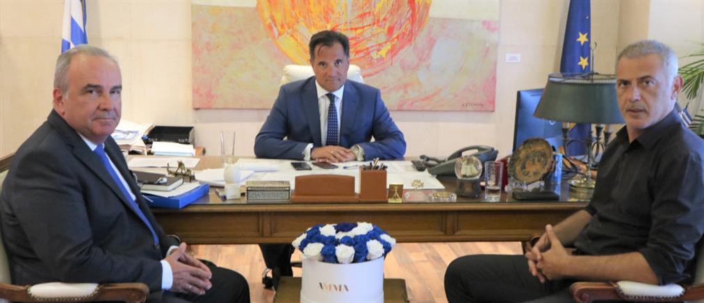 Συνάντηση Γεωργιάδη - Μώραλη για τις επενδύσεις στον Πειραιά και την Cosco