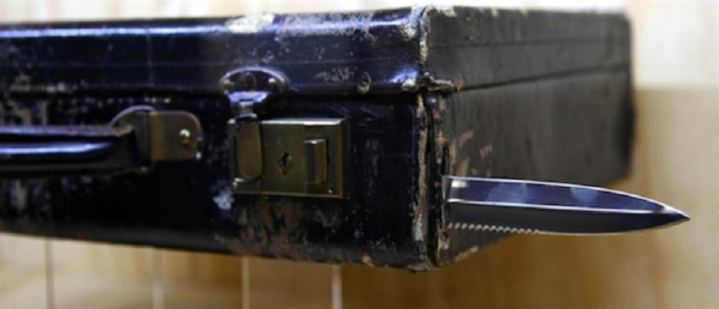 Προσπάθησε να ταξιδέψει με 232 μαχαίρια στην αποσκευή του!