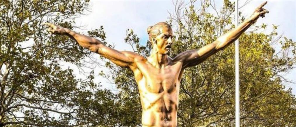 Έστησαν άγαλμα στον Ζλάταν Ιμπραΐμοβιτς (βίντεο)