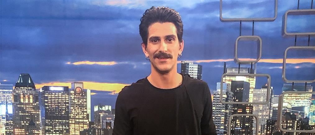 """Παπατριανταφύλλου στο """"The 2Night Show"""": ο """"Ήλιος"""" και οι βάρδιες στο περίπτερο (βίντεο)"""