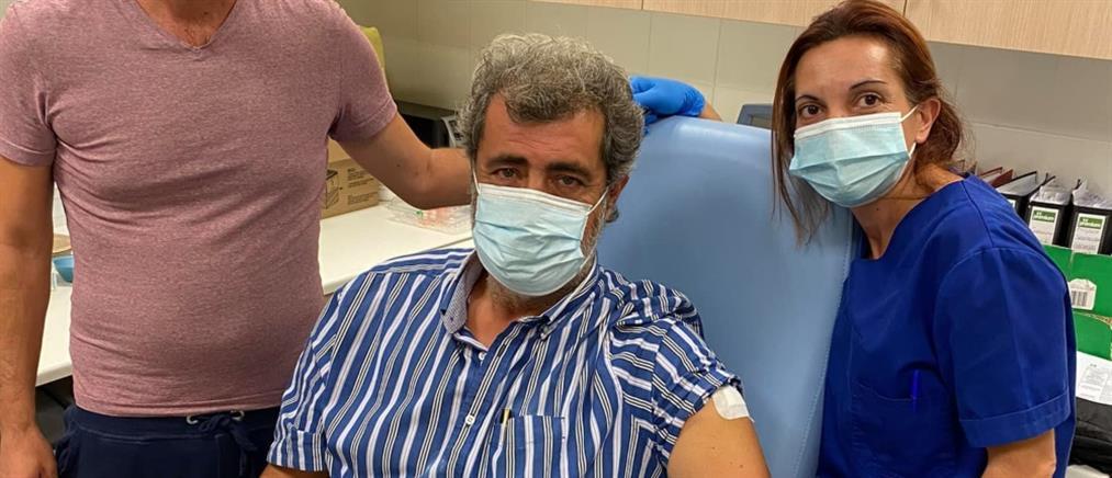 Κορονοϊός - Πολάκης: έκανα το εμβόλιο γιατί εγώ το ήθελα (εικόνες)