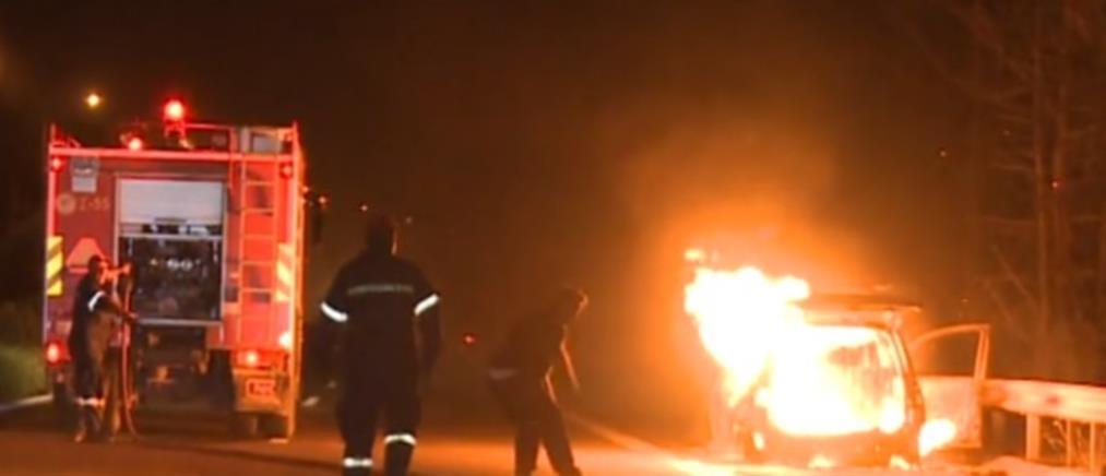 Φωτιά σε αυτοκίνητο εν κινήσει στην Κορίνθου-Τριπόλεως (βίντεο)