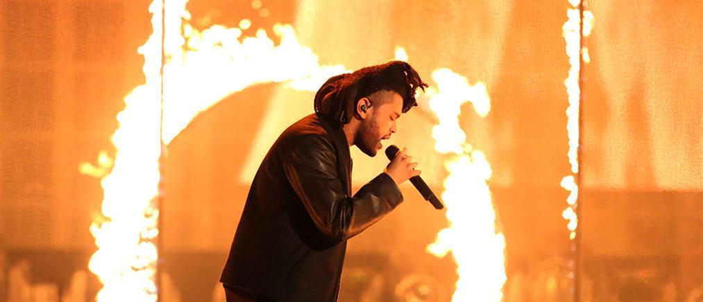 """Ο Weeknd παρέδωσε γεύματα στους """"ήρωες της πρώτης γραμμής"""""""