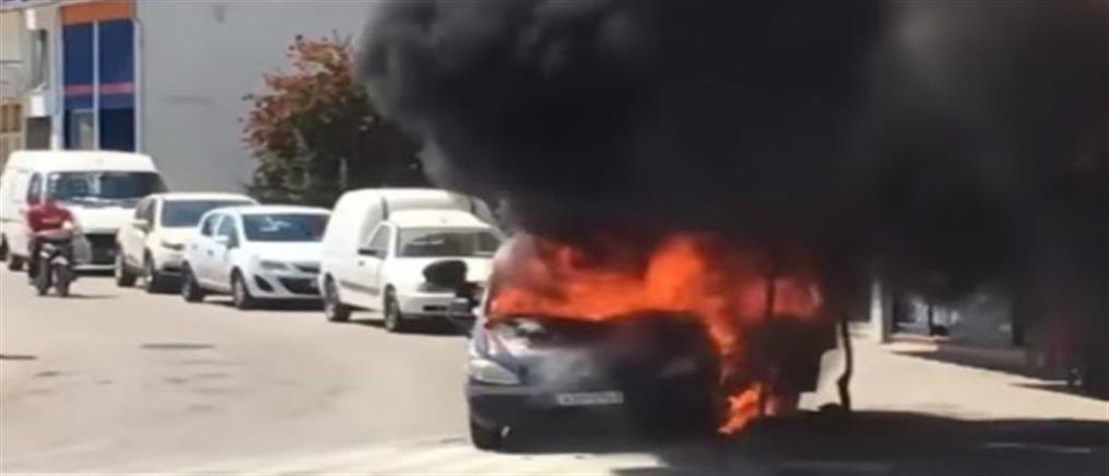 """""""Λαμπάδιασε"""" αυτοκίνητο στο κέντρο της Άρτας (βίντεο)"""