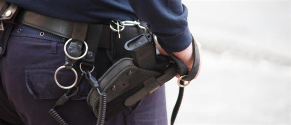 Έκλεψαν όπλα αστυνομικών στο Παγκράτι