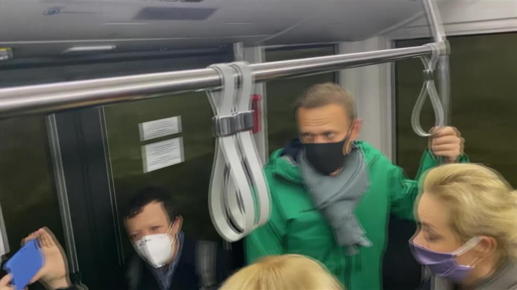Προσγειώθηκε στη Μόσχα ο Ναβάλνι
