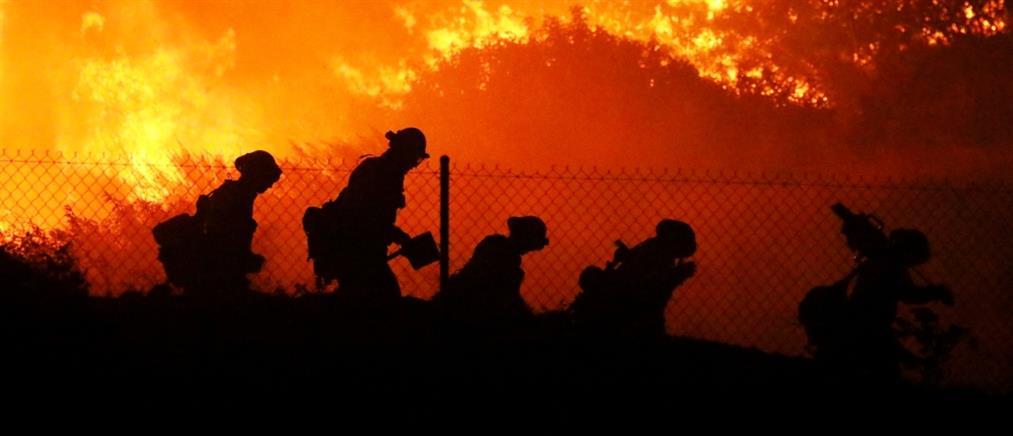 """""""Κόλαση φωτιάς"""" στην Καλιφόρνια (εικόνες)"""