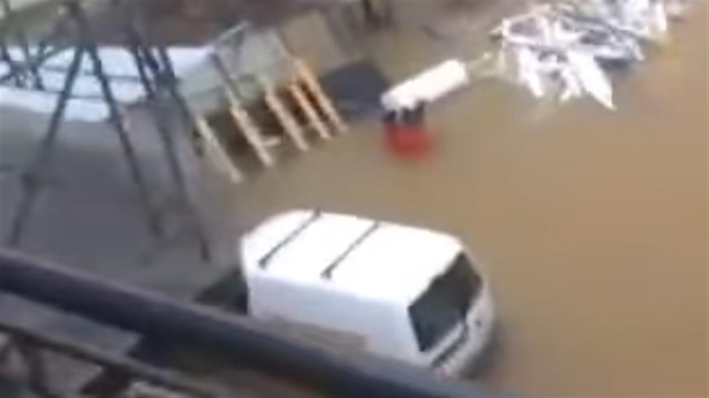 Πλημμύρισαν σπίτια στο Νεοχώρι Ευβοίας