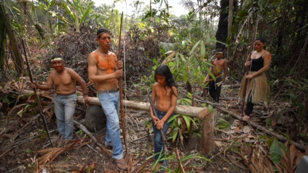 Φυλή του Αμαζονίου υπόσχεται να προστατεύσει την ιερή γη