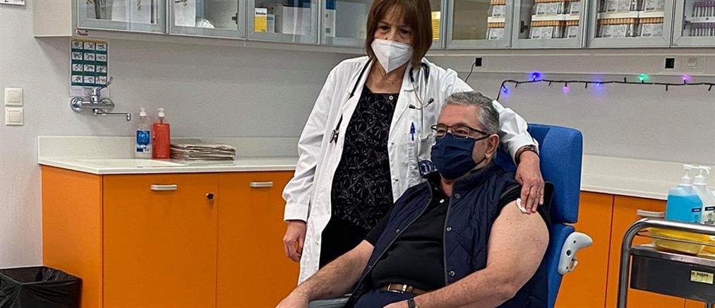Κορονοϊός: εμβολιάστηκε ο Δημήτρης Κουτσούμπας