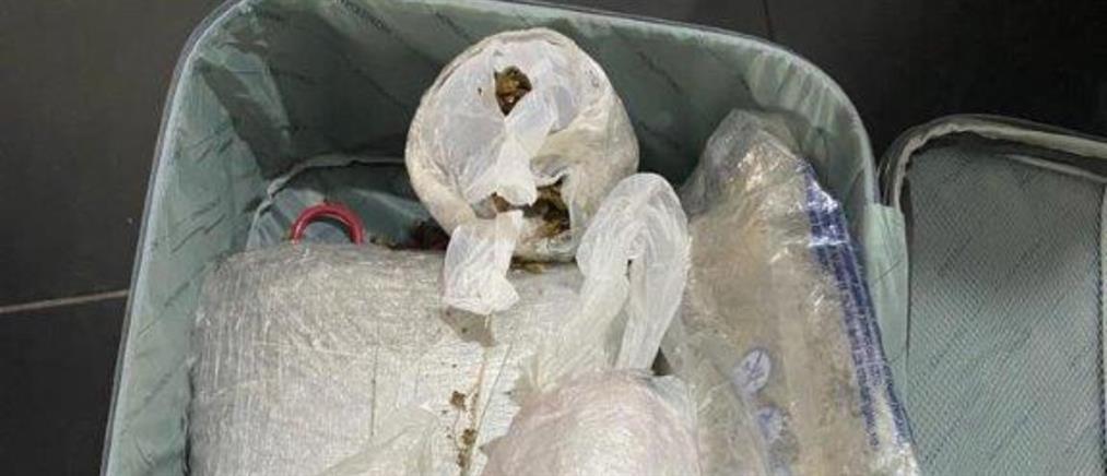"""Αθήνα: """" Έσπρωχναν"""" ναρκωτικά στο κέντρο"""