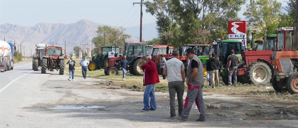 Αγρότες: Κλείνουν την Εθνική Οδό με τα τρακτέρ τους