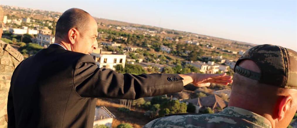 """Προκλητική επιθεώρηση στην Αμμόχωστο από αξιωματούχο του """"Ψευδοκράτους"""" (εικόνες)"""