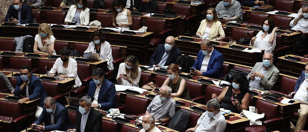 Ψηφίστηκε το φορολογικό νομοσχέδιο