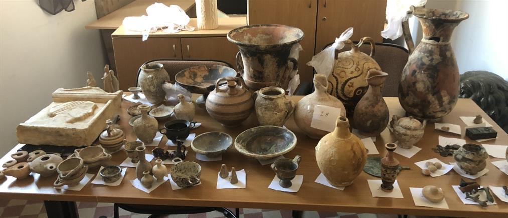 """Αρχαιοκάπηλος εμπορευόταν """"θησαυρούς"""" εκατομμυρίων ευρώ (εικόνες)"""