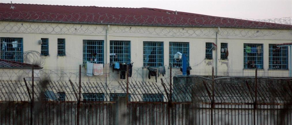 Πέθανε ο κρατούμενος που αυτοπυρπολήθηκε
