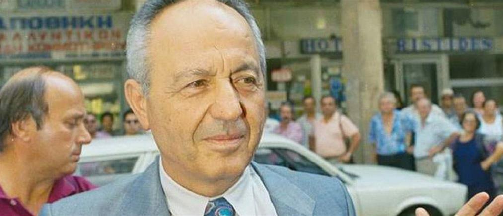 Πέθανε ο Νίκος Γρυλλάκης