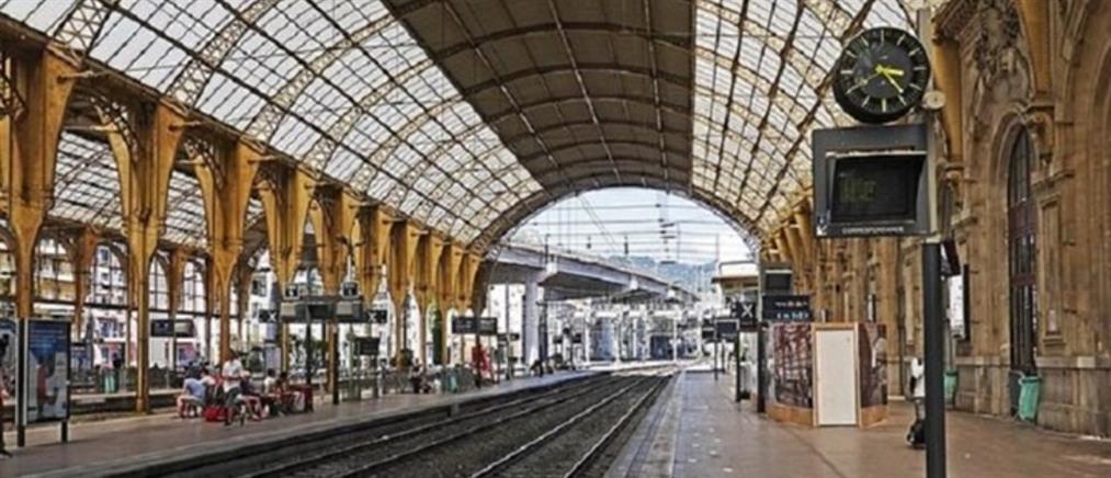 Παρίσι: Μυστήριο με σύλληψη αστυνομικού που πιάστηκε με εκρηκτικά σε σιδηροδρομικό σταθμό
